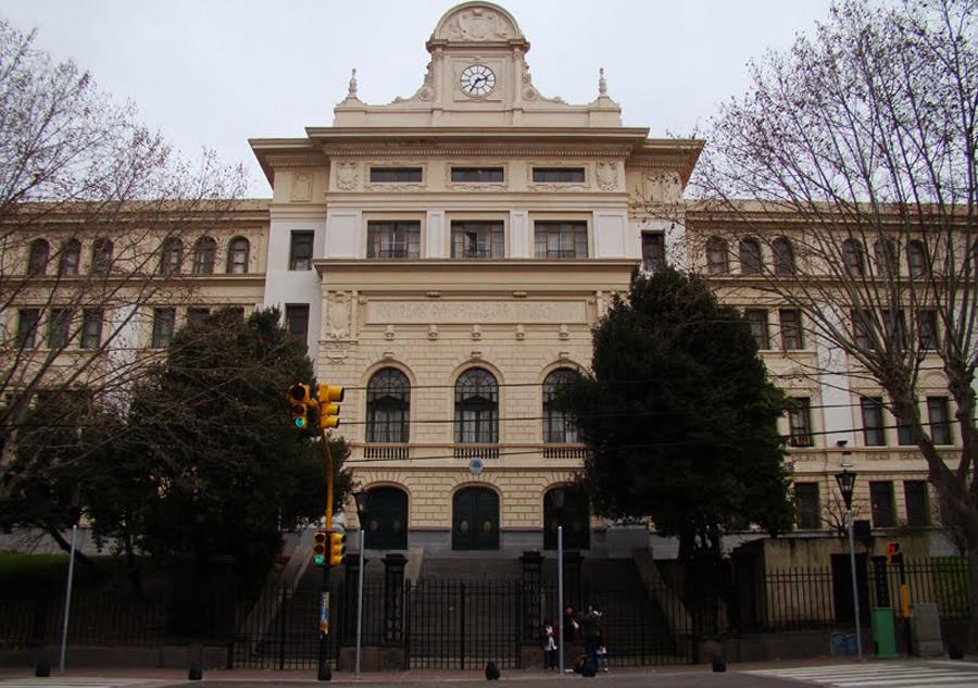 bernasconi, escuela